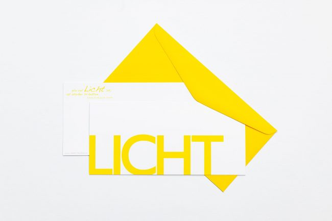 """Grußkarte """"LICHT"""" mit gelbem Briefumschlag und Rückseite"""